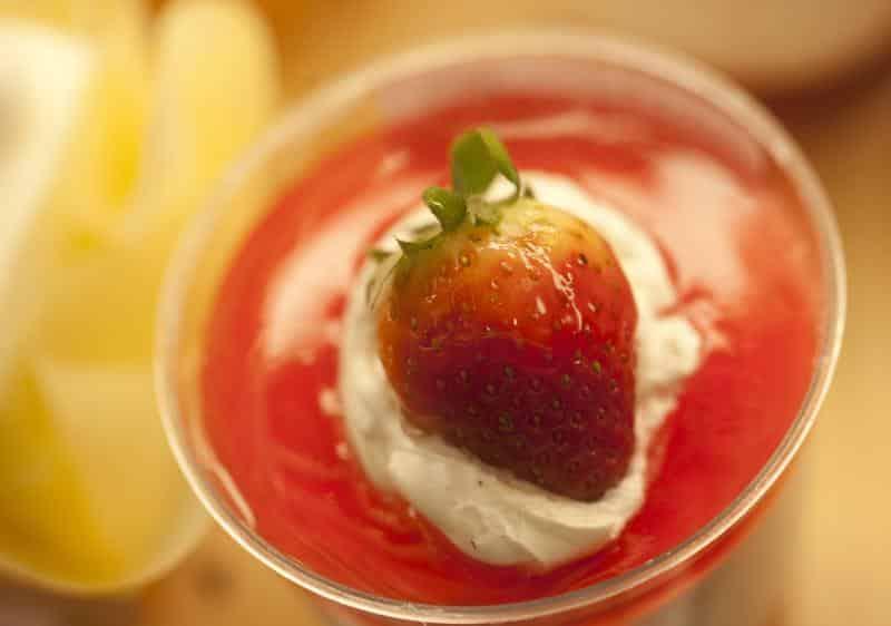 Mousse de Morango com gelatina