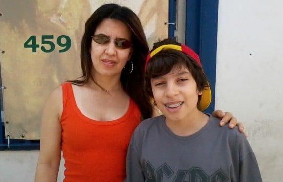 Márcia e seu filho Rafael, na foto com 11 anos, que é intolerante ao glúten e alérgico à proteína do leite